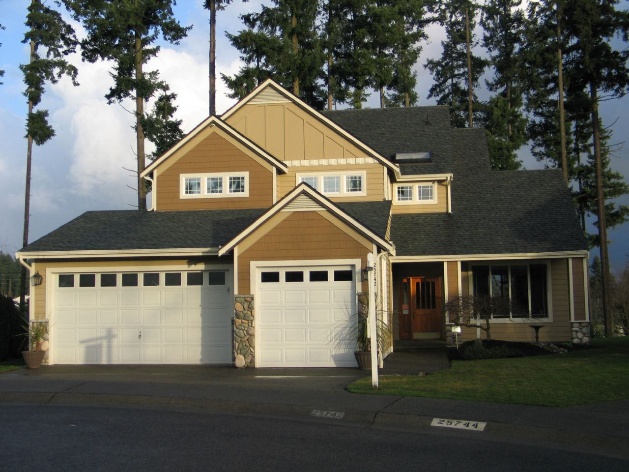 Covington Home, WA Real Estate Listing